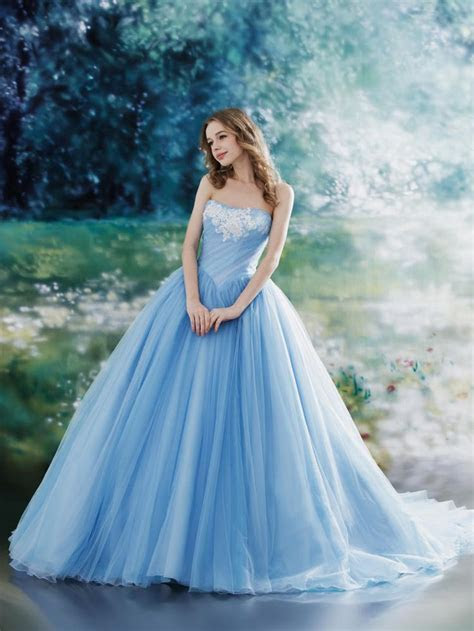 Gorgeous Dress Designs for Fairytale Princess Like Look
