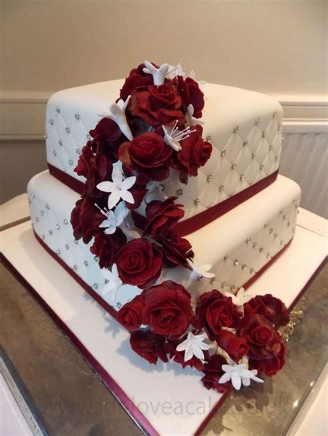 Burgundy Wedding Cake   Food & Drink that I love
