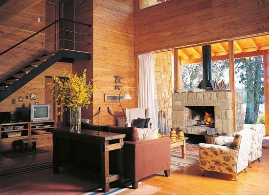 Decoraci n ideas para aprovechar el bajo escalera blogydeco for Muebles de madera para debajo de la escalera