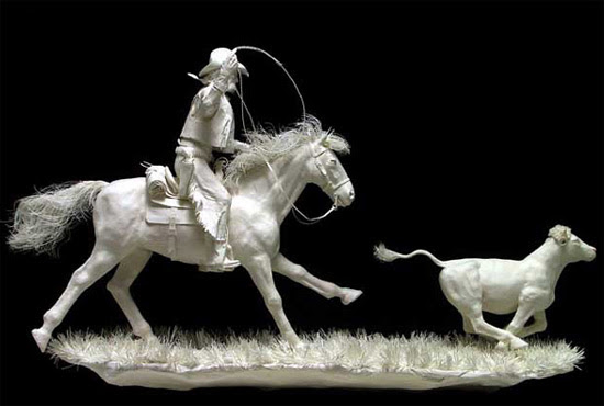 Realistic sculptures made out of paper