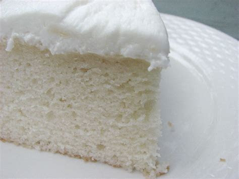 Heidi Bakes: My now favorite White Cake recipe