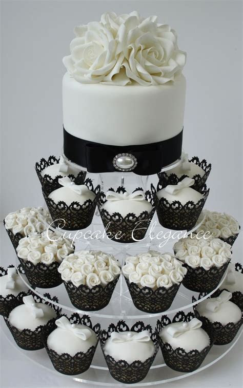 black and white cupcakes   My dream wedding   Pinterest