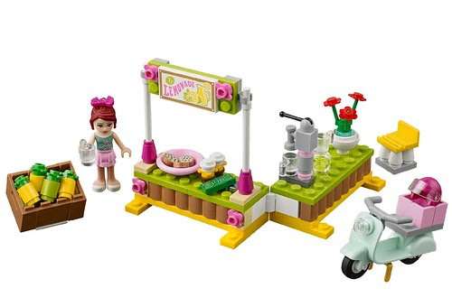 LEGO-Friends-Mias-Lemonade-Stand-41027-1