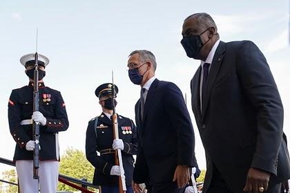 Министр обороны США посетит Украину и Грузию
