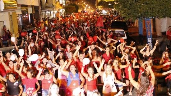 Passeata das Mulheres reuniu uma multidão nas ruas de Carnaúba dos Dantas