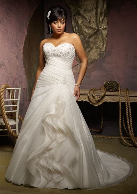 17 Best images about Wedding   Plus Size Bride on