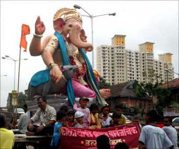 The Ganesh of the Curry Road community in Mumbai. Image source: Arun Patil