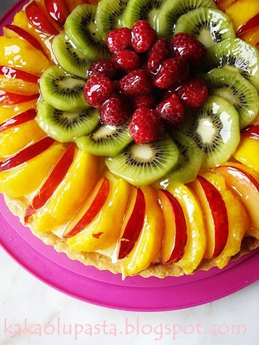fruit tart with lemon pastry cream