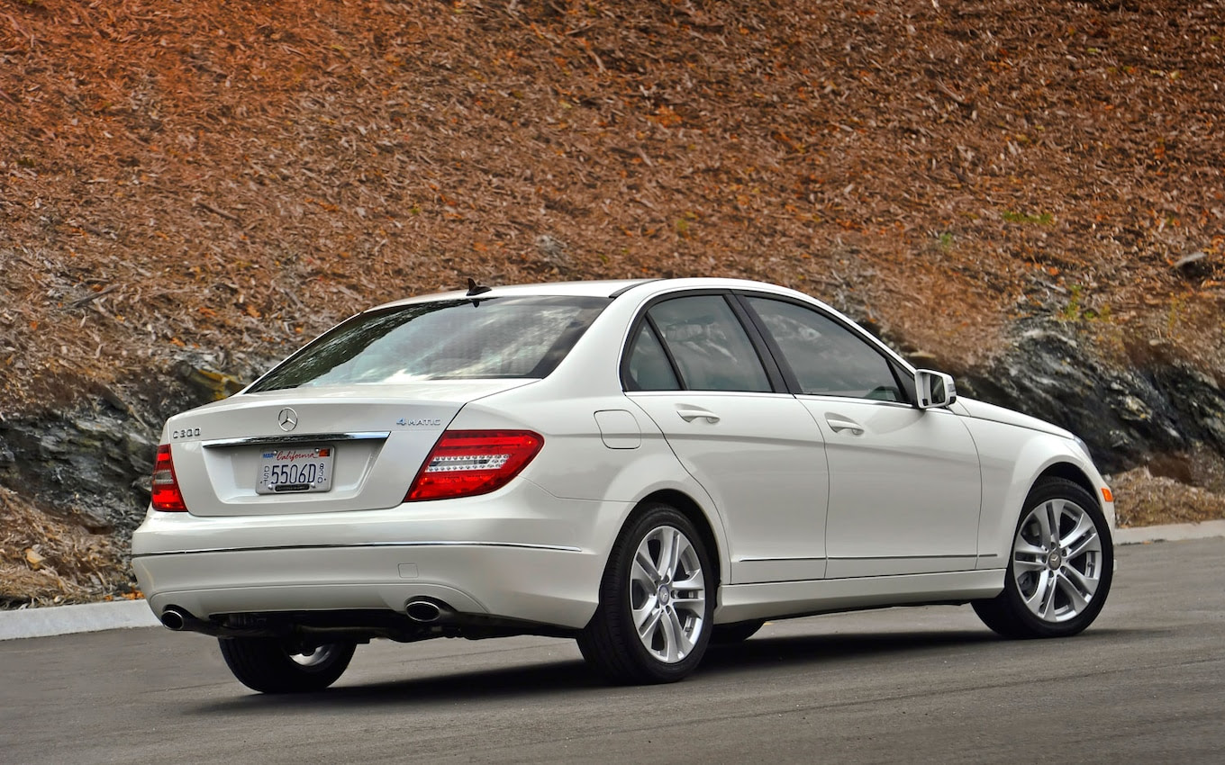 2013 Mercedes-Benz C300 4Matic Gets More Power, Better Economy