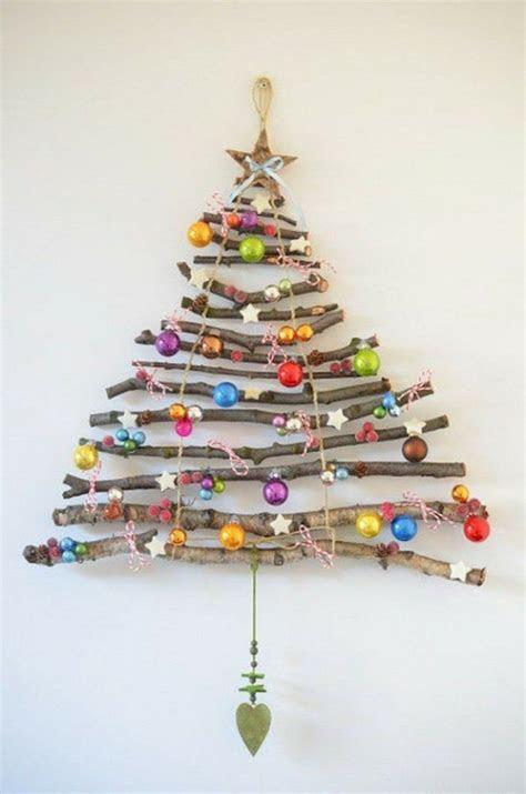 weihnachtsbaum aus holz als schicke wanddekoration