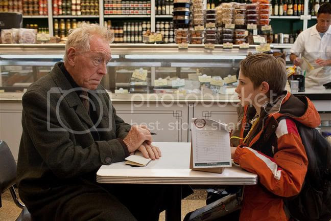 extremely loud and incredibly close 2011 3