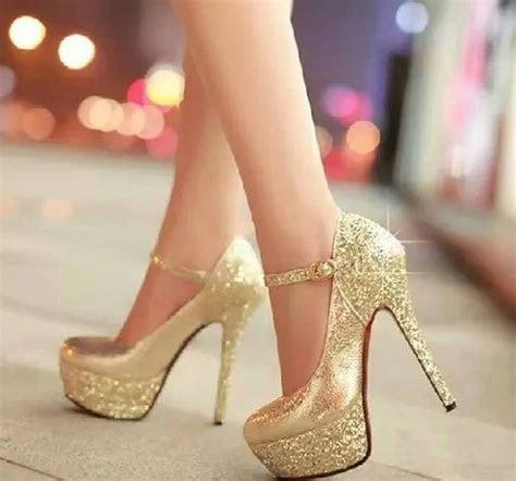 Gold glitter pumps #heels #shoes   Shoes   Pinterest