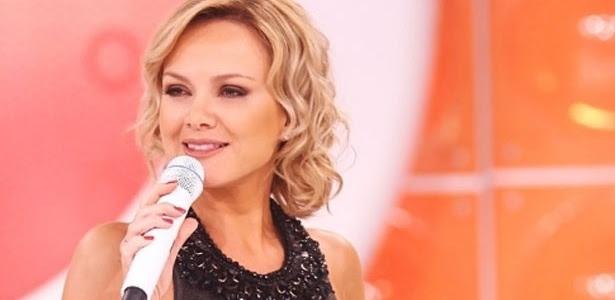 """A apresentadora Eliana, que apresenta o quadro """"Quer casar comigo?"""""""