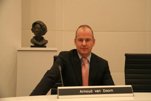 Arnoud Van Doorn Umrah ke Tanah Suci
