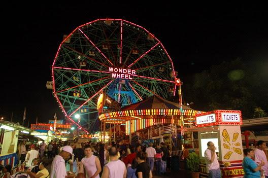 Wonder Wheel Park Night