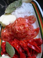 pimiento, tomate, cebolla, laurel