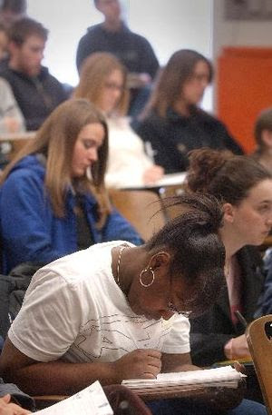 English: Veterinary students at the School of ...