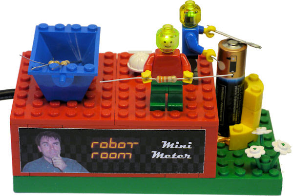 Multimeter-made-with-Lego-minifigures-and-bricks.jpg