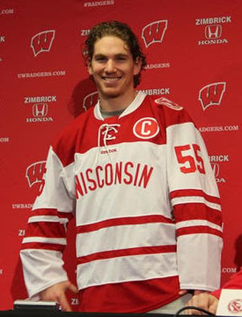 Wisconsin Hockey City Classic jersey photo BadgersHockeyCityRamage.jpg