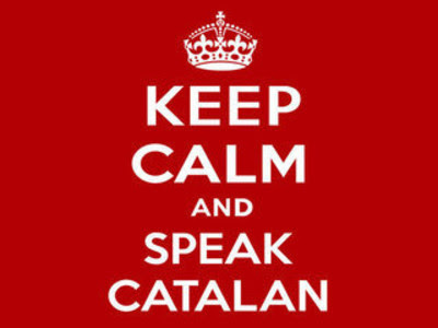 Cartell amb el lema 'Keep calm and speak catalan'.