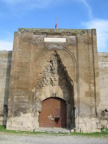 """Résultat de recherche d'images pour """"caravanserail Ağzıkarahan"""""""