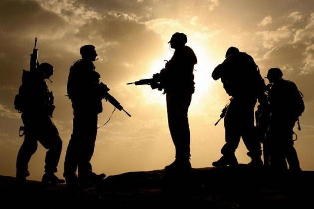 """Ποιοι άνοιξαν την κερκόπορτα για την """"εισβολή"""" των δανειστών στην Εθνική Άμυνα"""