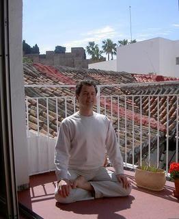 Yoga sala m laga horario de yoga for Horario oficina correos malaga