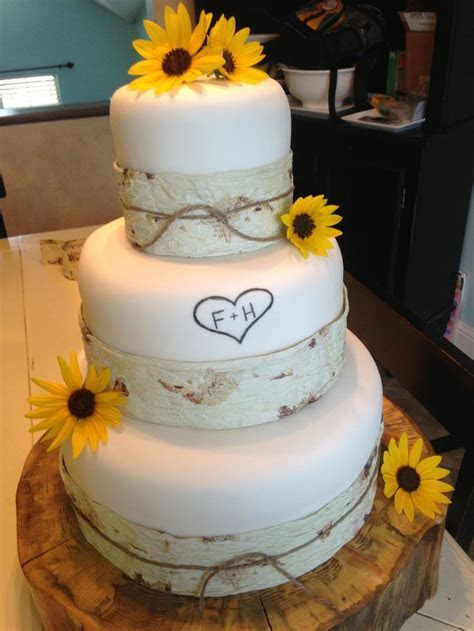 Simple fall wedding cakes   idea in 2017   Bella wedding