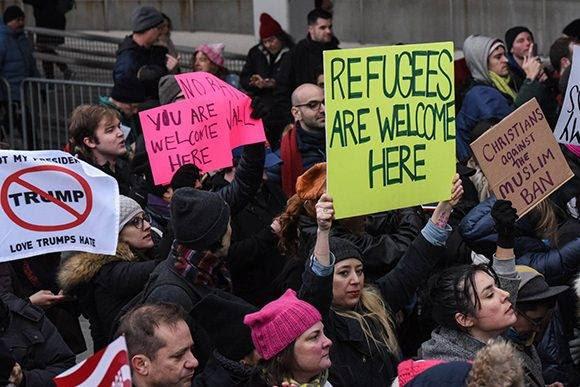 Concentración en el aeropuerto JFK de Nueva York. Foto: Stephanie Keith/ AFP.