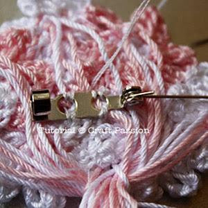 crochet flower brooch pin tutorial