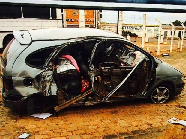 Acidente aconteceu na manhã desta terça-feira (14), em Ponta Grossa (Foto: Reprodução/RPC)