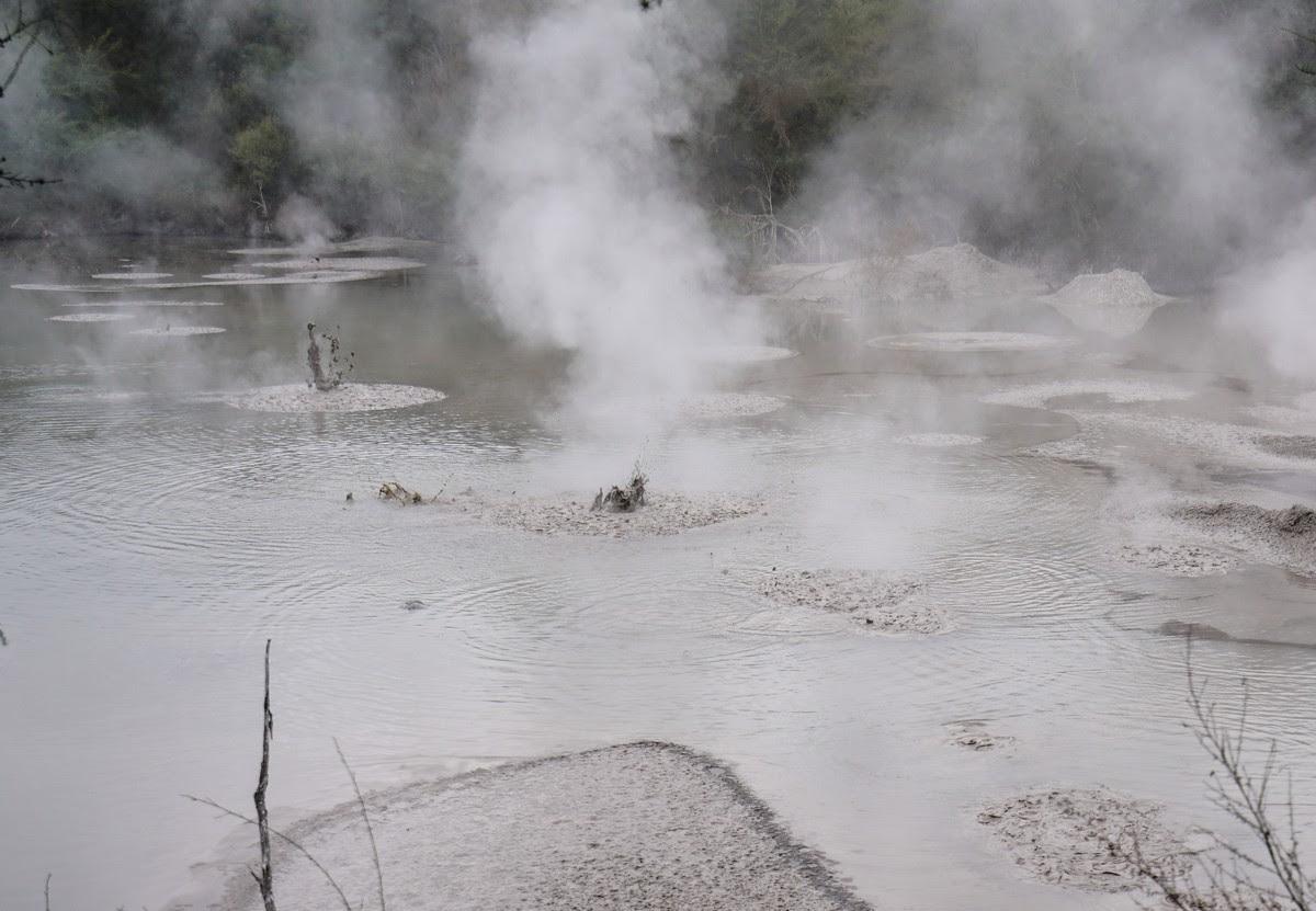 wai-o-tapu-new-zealand-volcanism-35