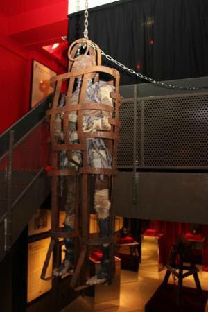Museum of Medieval Torture Instruments: Skeleton