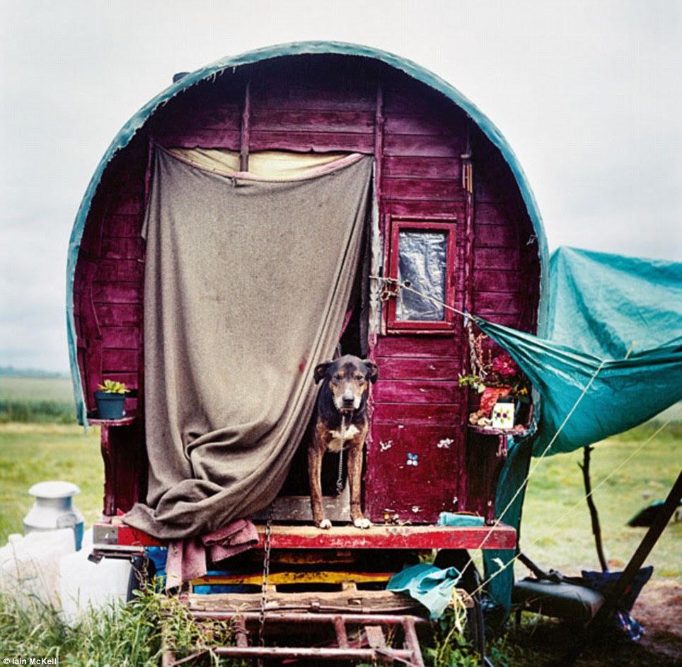 Yolları Wandering: Bu geleneksel Çingene karavan bir tarih kitabı dışında bir şey gibi bakıyor bir gurur yeni yaş gezgin ev sahipliği yapmaktadır