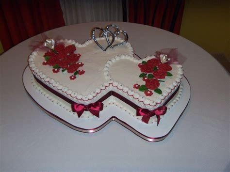 heart shaped wedding cakes   Double heart wedding cake