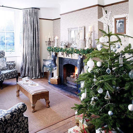 Cosy country living room with Christmas tree  Living room decorating