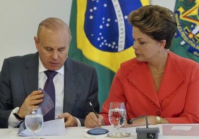 Dilma e Mantega (Foto: Antonio Cruz/Agbr)