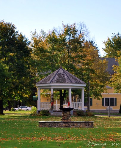 Gazebo & Fountain on the Bethel Green