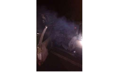 Laranjeiras - Veículo pega fogo na Colonia Santo Antonio