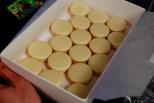 lemon_macarons_boxed