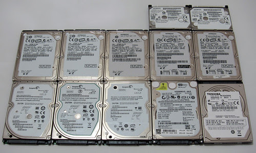 12 HDDs: Top side