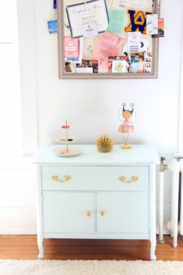 Her side table is painted Benjamin Moore Spring Mint - semi gloss Advance.