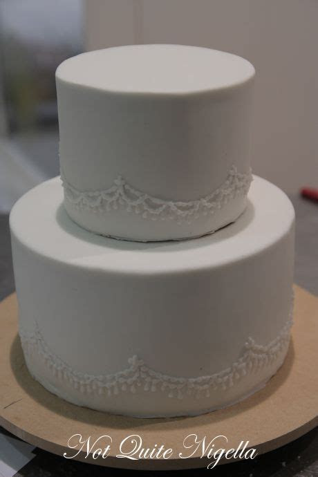 How to Make a Two Tier Wedding Cake with Faye Cahill