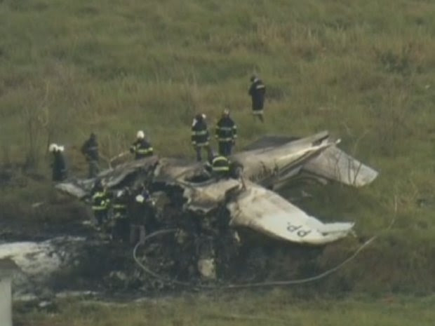 Avião caiu a 300m da cabeceira da pista (Foto: Reprodução/TV Globo)