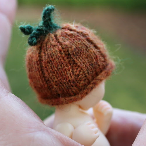 back of Pumpkin Hat