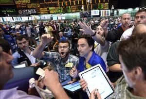 Wall Street cierra con leve ascenso. EFE