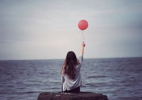 Resultado de imagem para letting balloons tumblr