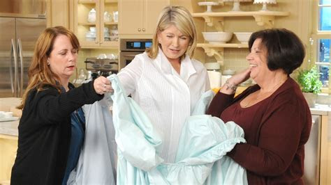 Video: Best Way to Fold a Fitted Sheet   Martha Stewart