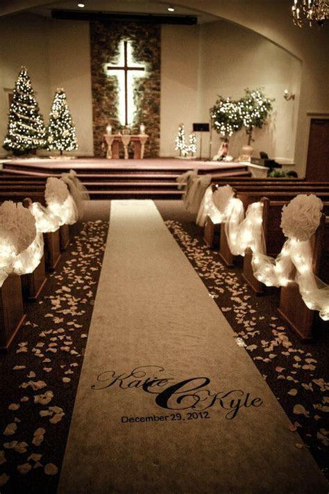 Christmas Weddings Aisle Décor Ideas