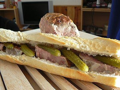 sandwiche caillette et cornichon.jpg
